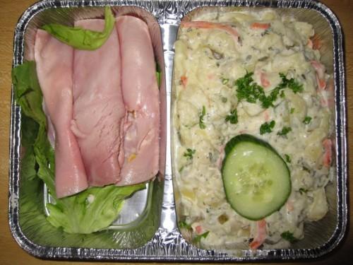 Schinkenröllchen mit verschiedenen Füllungen und Kartoffelsalat