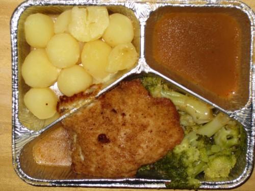 "Putenschnitzel ""Cordon Bleu"" Kartoffeln, Broccoli, Dessert"