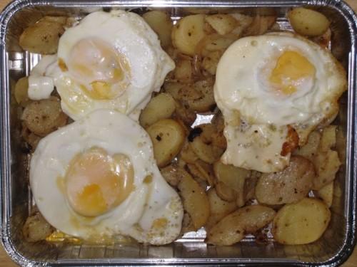 3 Spiegeleier auf Bratkartoffeln, Dessert