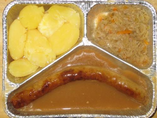 Thüringer Rostbratwurst mit Delikatesssauerkraut und Salzkartoffeln, dazu 1 Senftüte