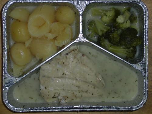 Gedünstetes Seelachsfilet in Dillsoße, Broccoli, Kartoffeln und Dessert