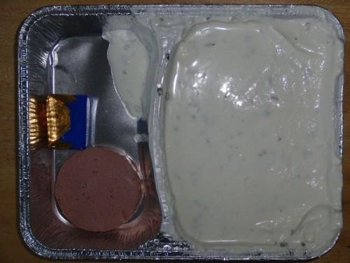 Sahniger Kräuterquark mit Kalbsleberwurst, Butter