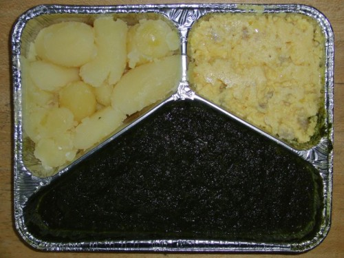Schinkenrührei mit Rahmspinat und Salzkartoffeln