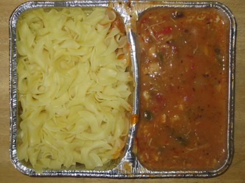 Italienische Nudelpfanne mit Sellerie, Paprika und Butternudeln