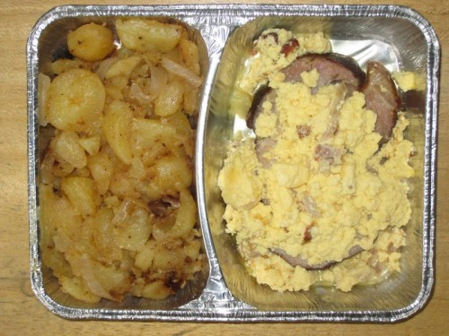 """Kasslersteak """"Prager Art"""" mit Schinkenrührei und Bratkartoffeln"""