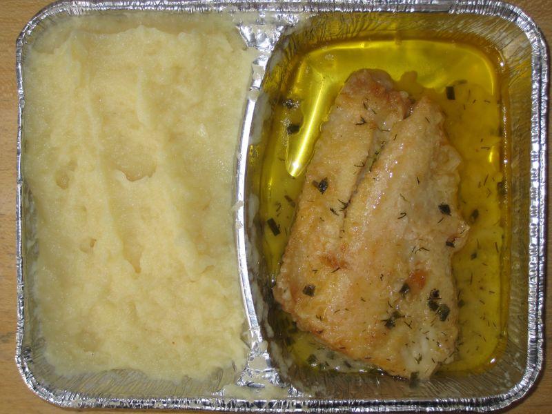 Gebackenes Fischfilet mit Kräuterbutter, Sahnekartoffelpüree