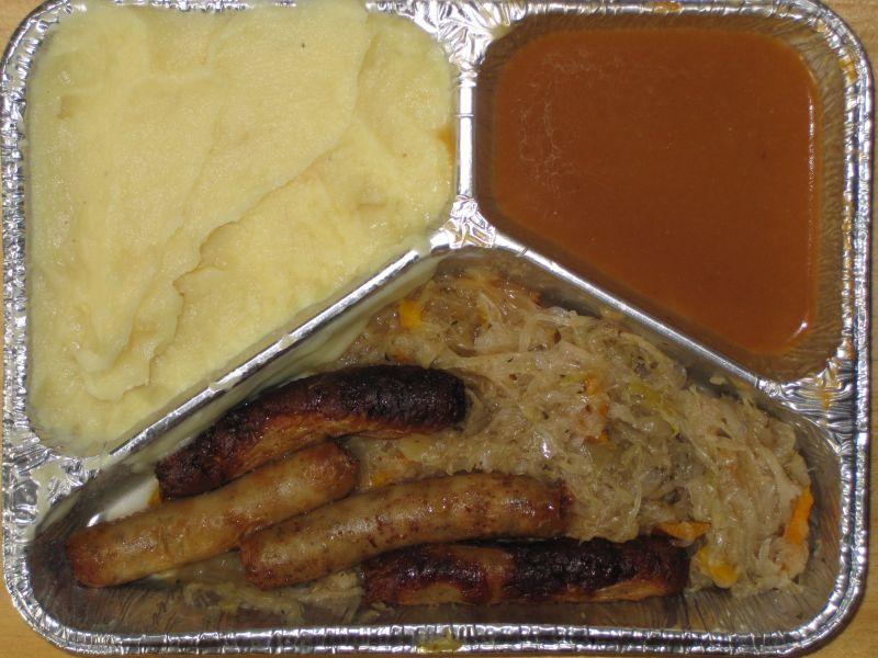 4 Nürnberger Würstchen mit Delikatesssauerkraut, Zwiebelkartoffelpüree, Senf