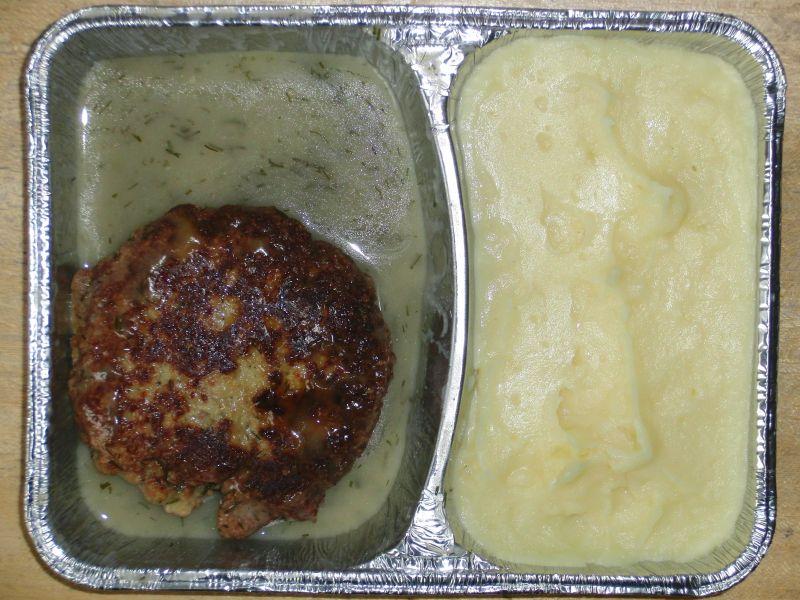 Fischboulette in Dillsoße, mit Kartoffelbrei, Dessert