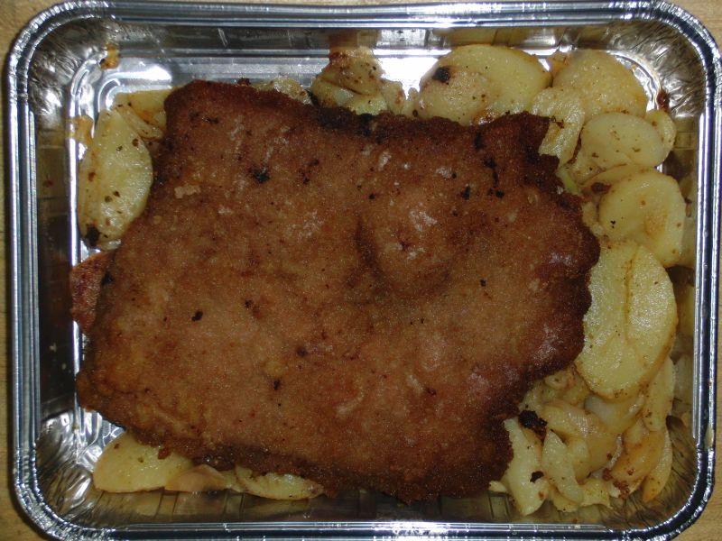 Riesenschnitzel mit Bratkartoffeln