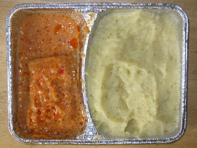 Fischfilet mit Tomate und Käse überbacken, Kräuterpüree